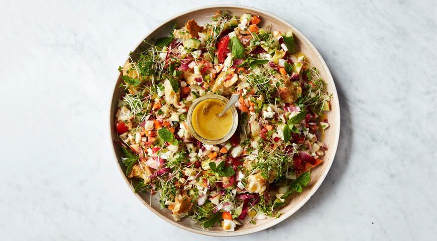 salat iz vsego chto est v holodilnike